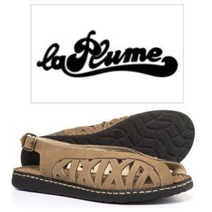 Shoes - NWT La Plume Warwick Comfort Sandals
